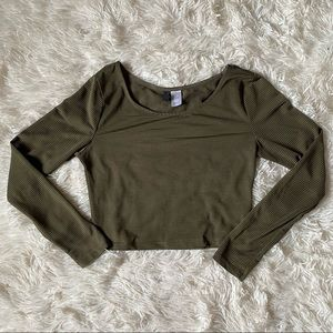 ◾️3/$25 H&M Divided Army Green Semi Sheer Crop Top